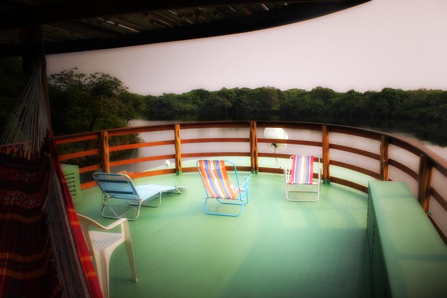 Jacare Acu Amazon Cruise Deck