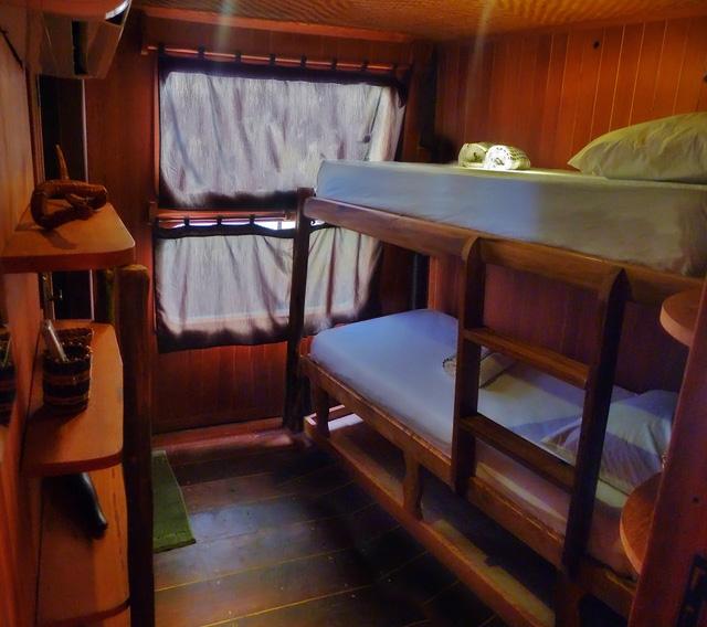 Jacare Acu Cruise Bunk Cabins