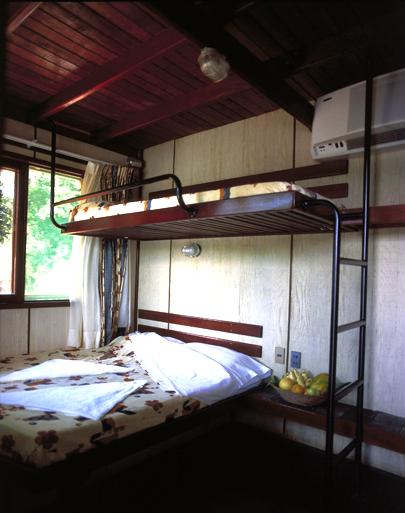 Reina de Enin Amazon Cruise Cabin