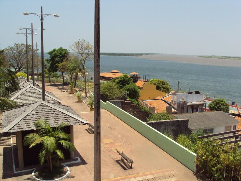 Tapajós Square in Sanarém (Ph. Wikipedia)
