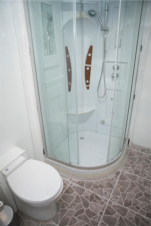 Petrel Galapagos Cruise Suite Bathroom