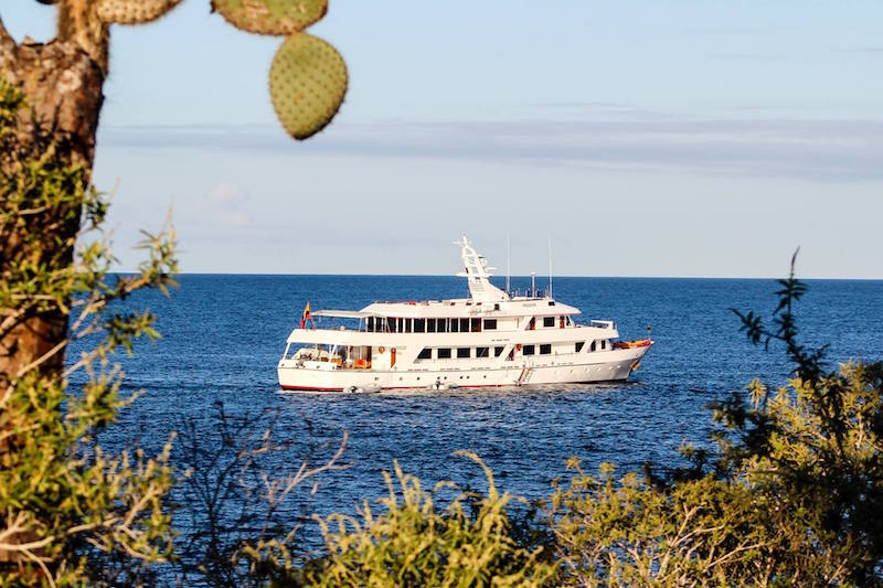 The Passion Yacht, Galapagos.
