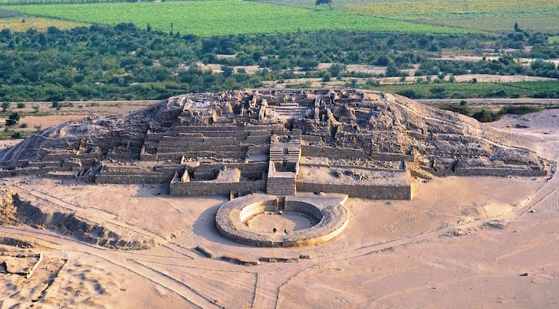 Caral Archaeological Site (Ph. Wikipedia)