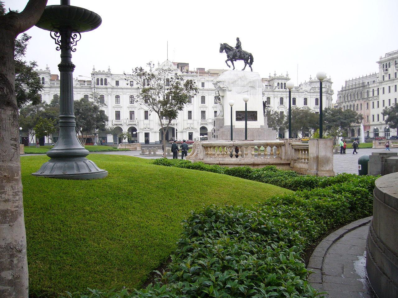 plaza san martin Lima