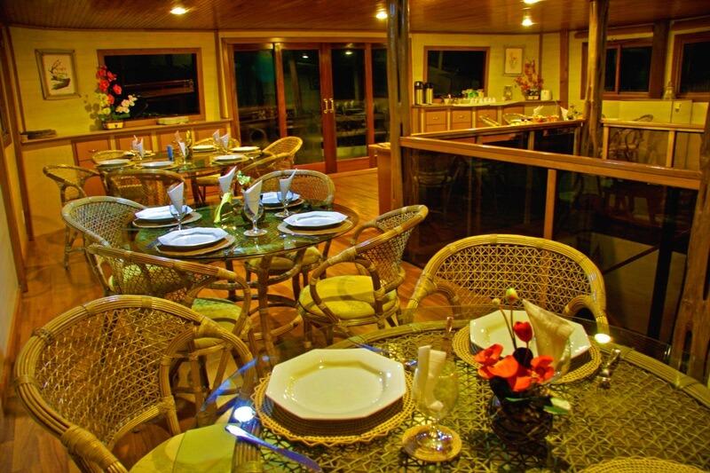 Clipper Premium Amazon Cruise Dining Room