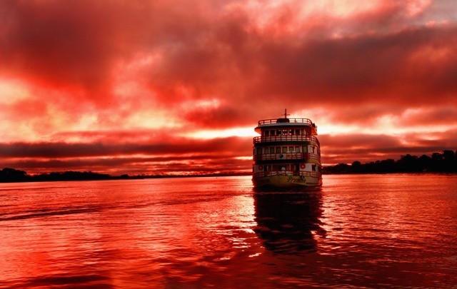 Clipper Premium Amazon Cruise at Sunset