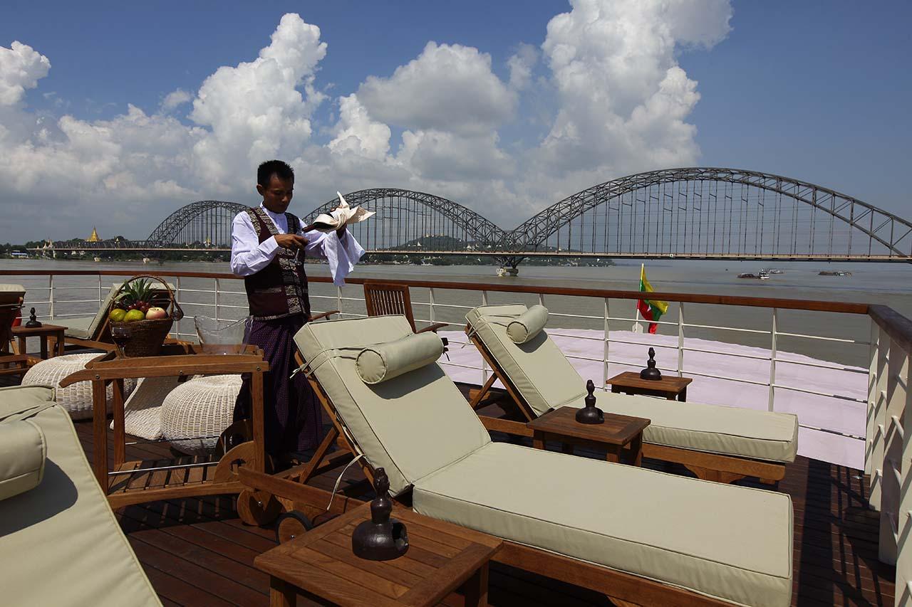 Paukan 2012 Myanmar Sun Deck