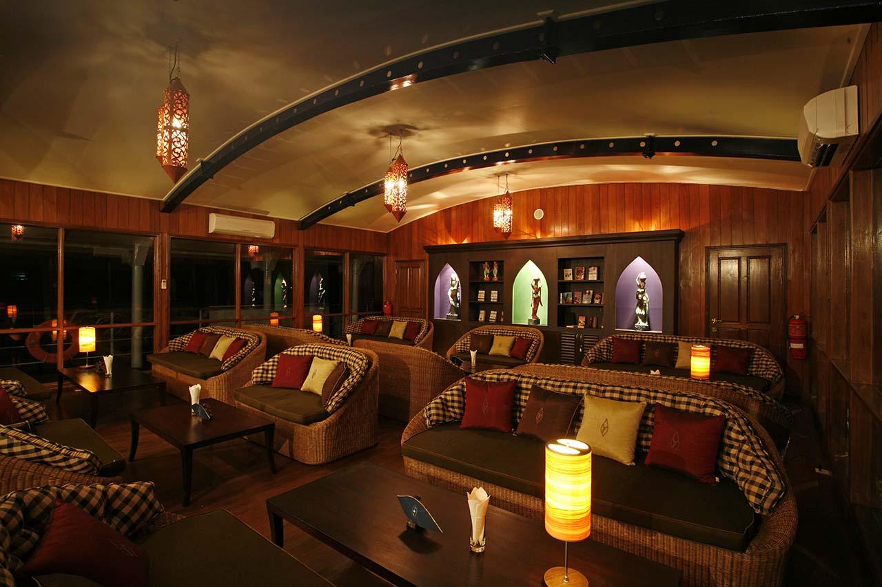 Paukan 2007 Cruise Deck