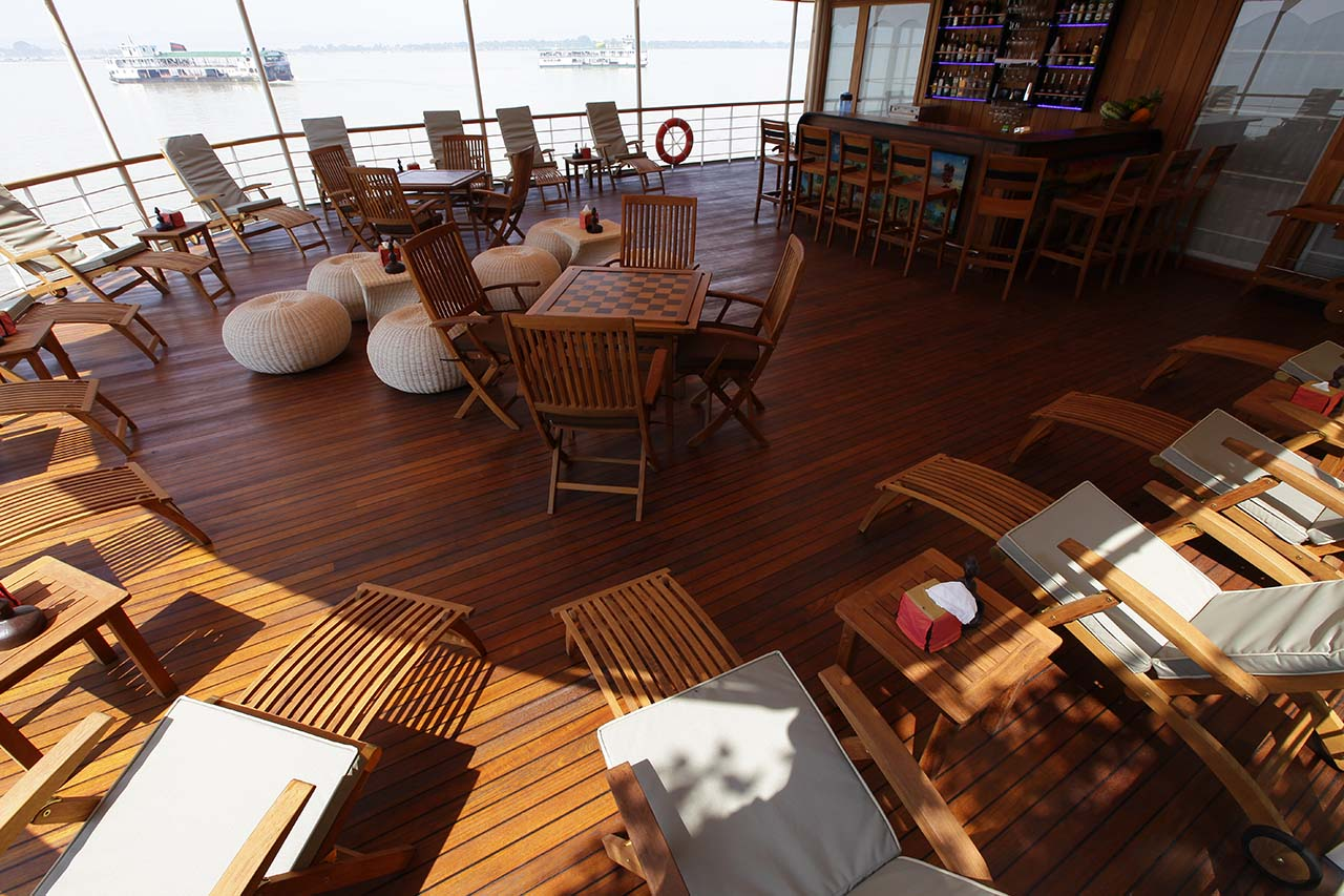 Covered Outdoor Lounge & Bar - Paukan 2012