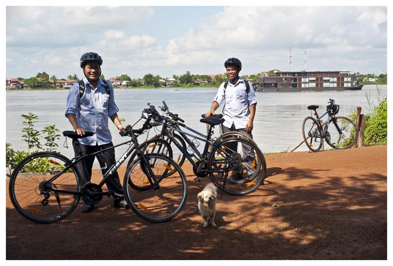 Aqua Mekong river cruise excursion