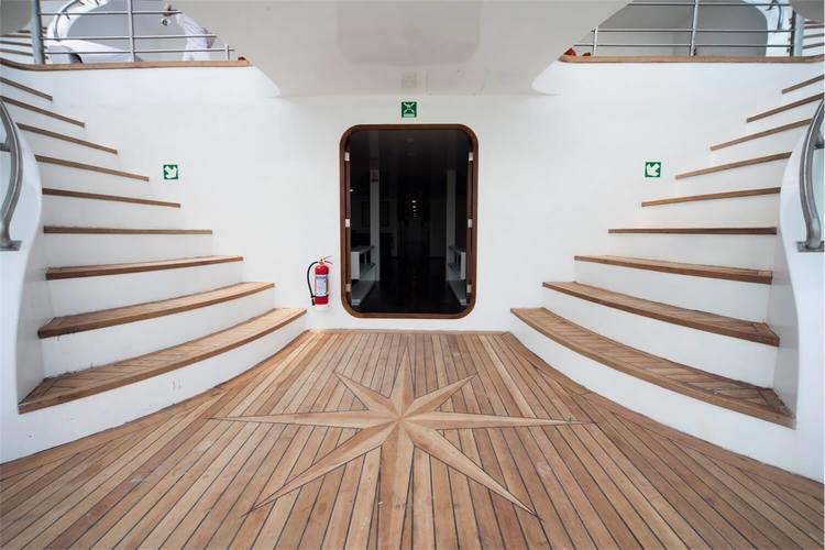 Petrel Catamaran Cruise