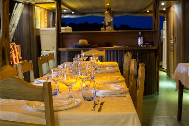 Jacare Acu Amazon Cruise Dining Room