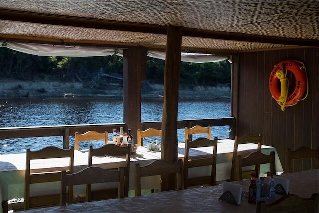 Jacare Acu Amazon Cruise Dining Table
