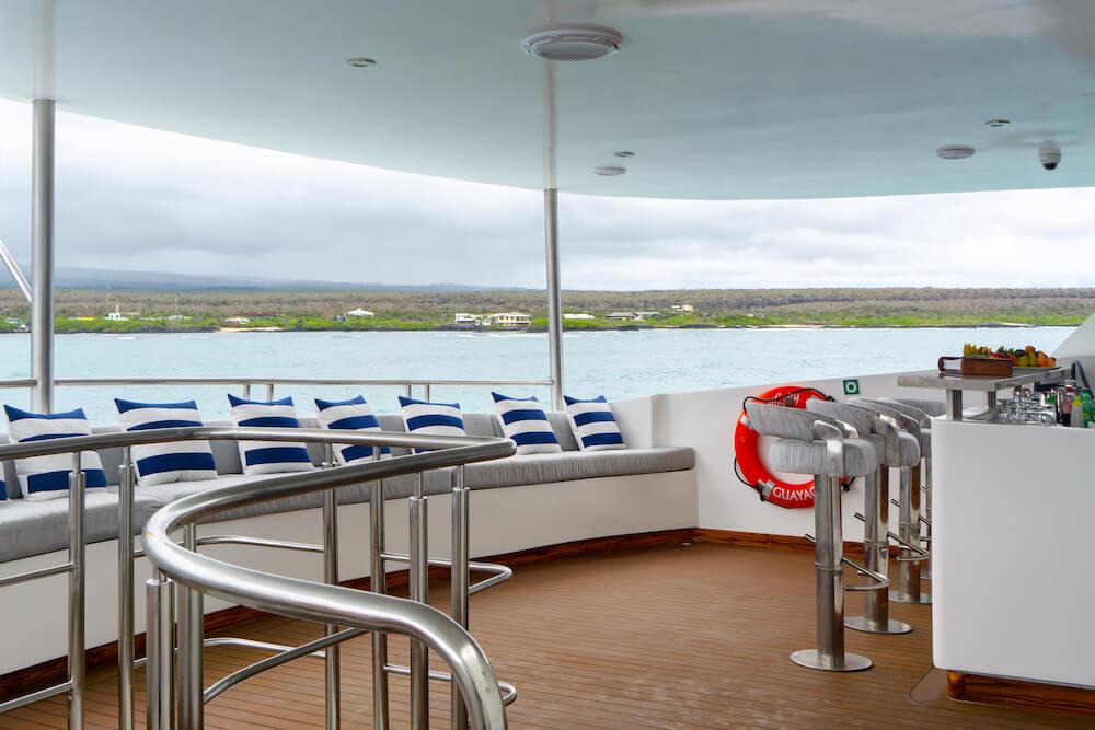 upper-deck-bar-4.jpg