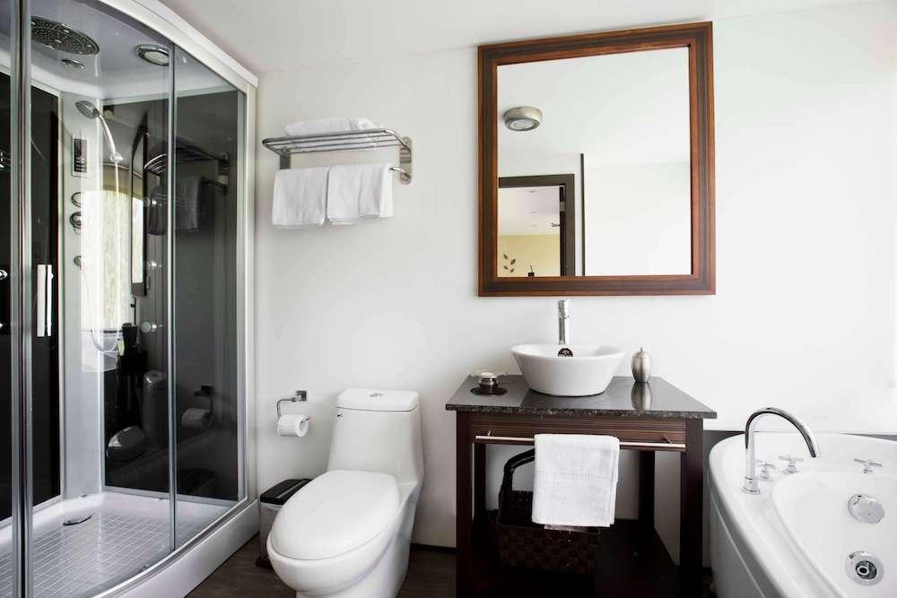 Suites-2.jpg