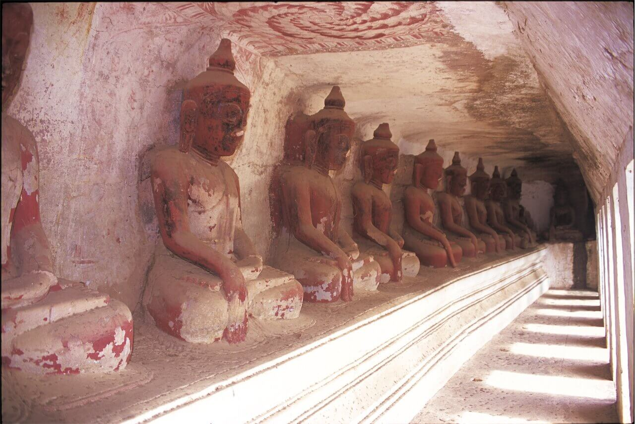 Hpowindaung Caves Buddha10.jpg