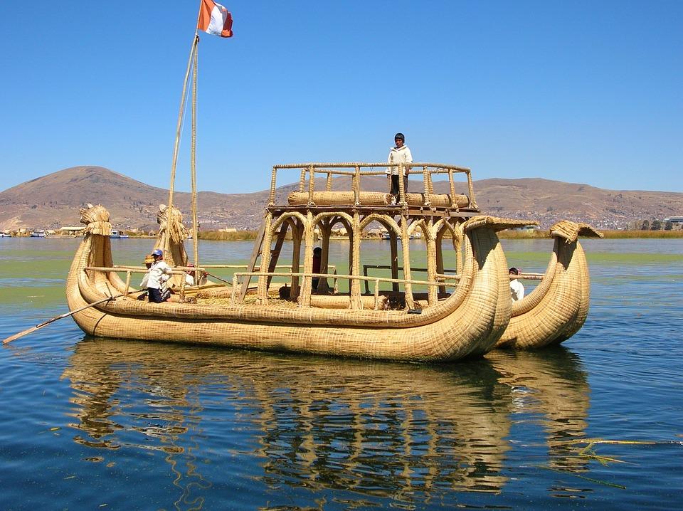 lake-titicaca-boat