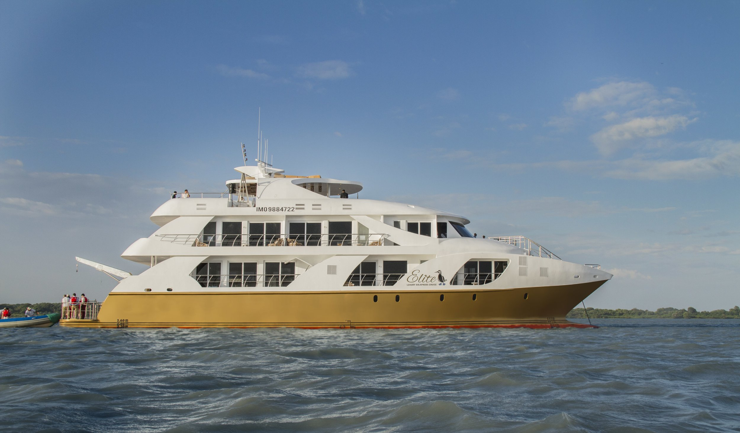 Elite Mega Catamaran (3)-min.jpg