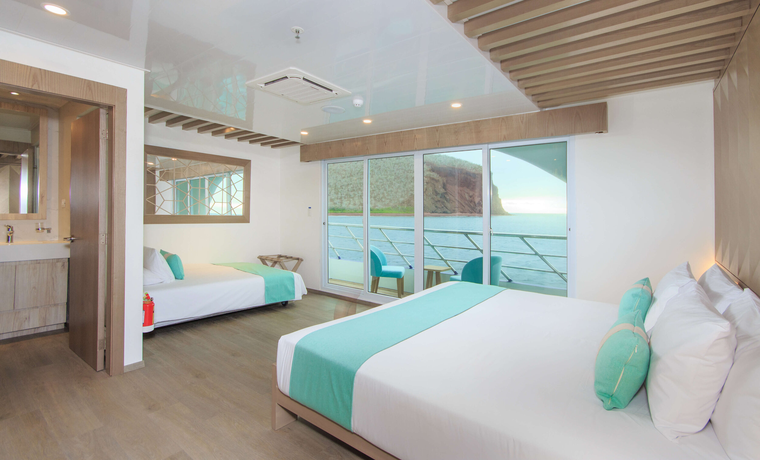 7. Endemic Golden Suite with extra bed - F7.jpg