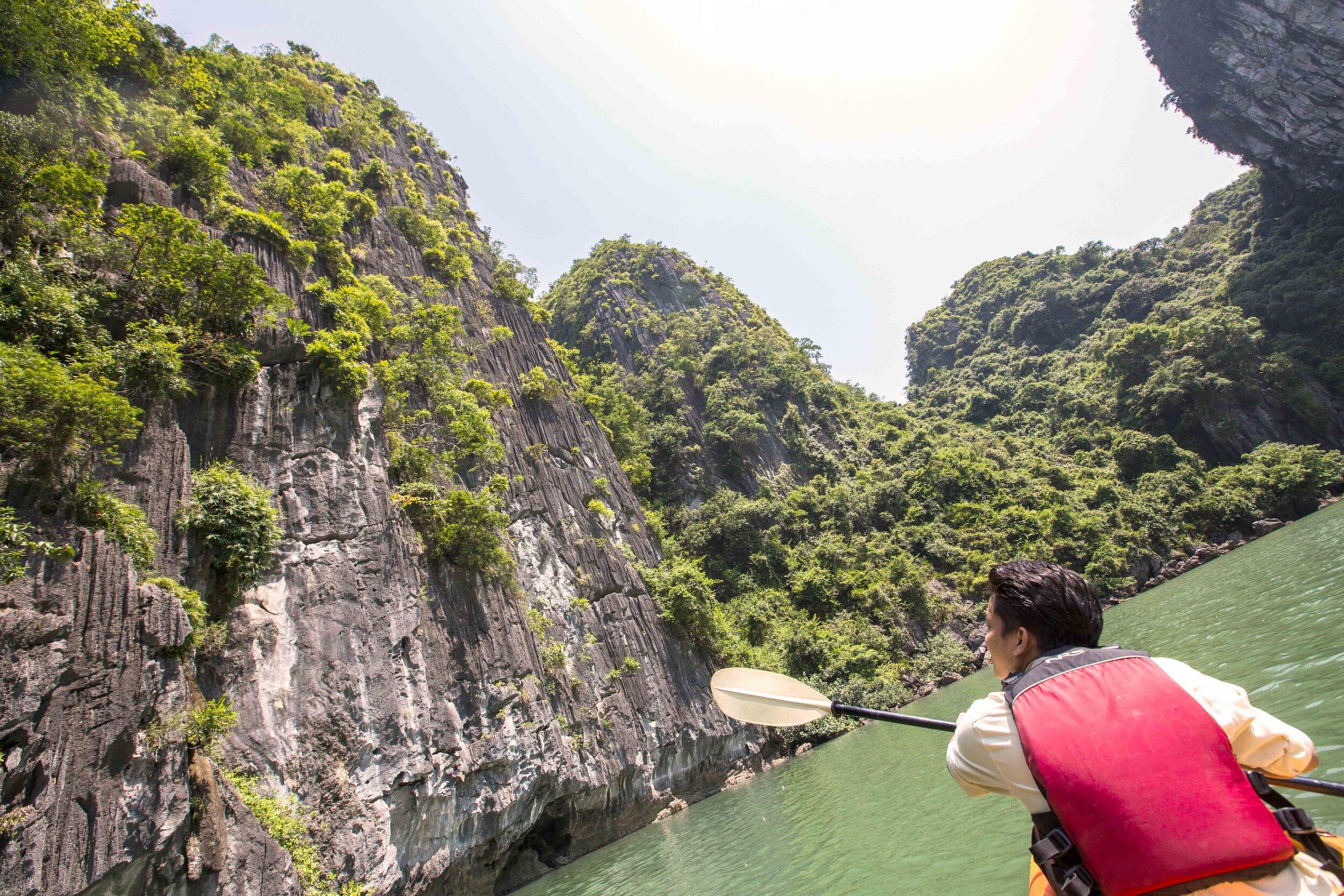 Heritage Line - Halong Bay - Excursion - Kayaking 2.jpg