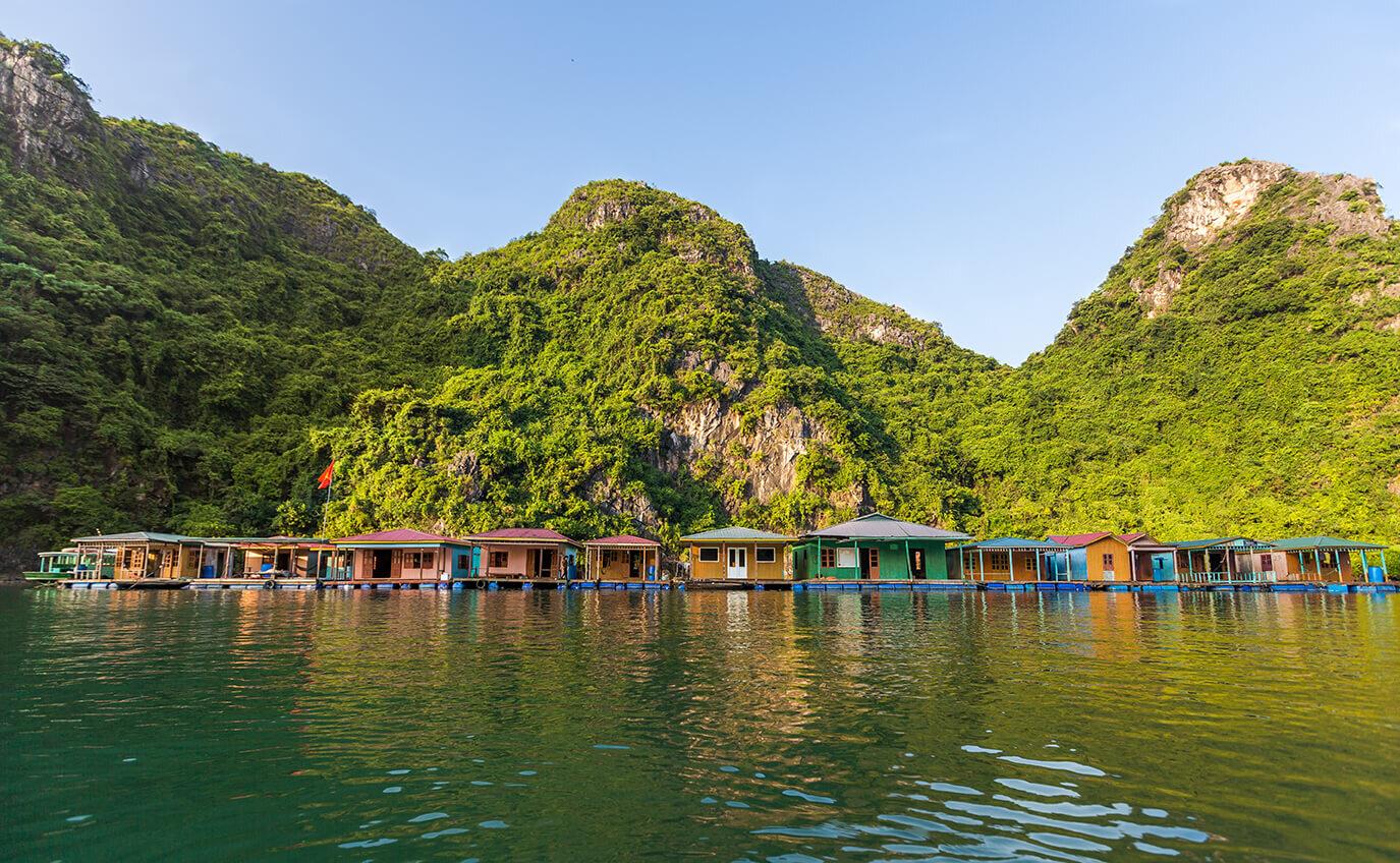 Heritage Line - Halong Bay - Excursion - Fishing village 4.jpg