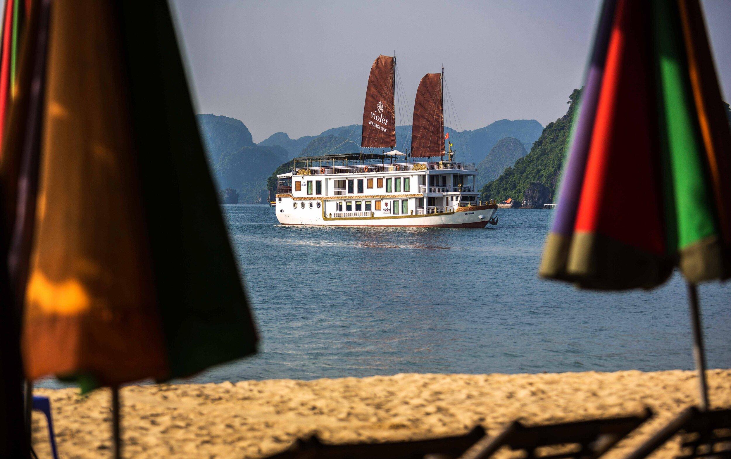 Heritage Line - Halong Bay - Excursion - Swimming.jpg