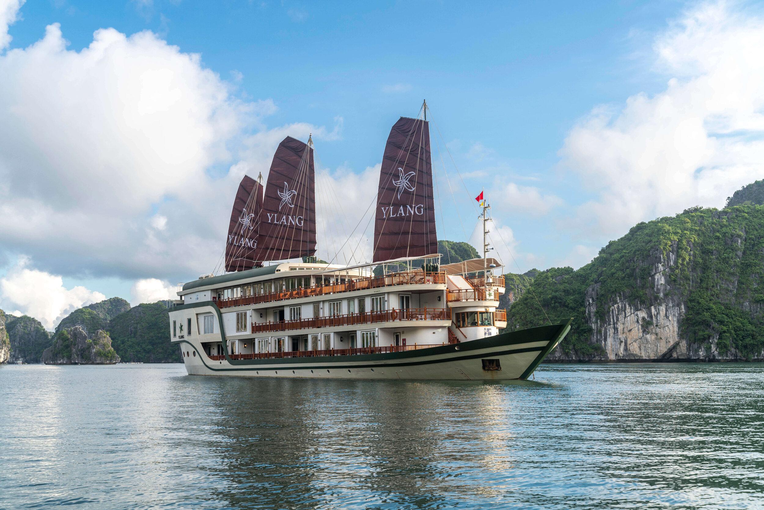 Heritage Line - Lan Ha Bay - Ylang - ship.jpg