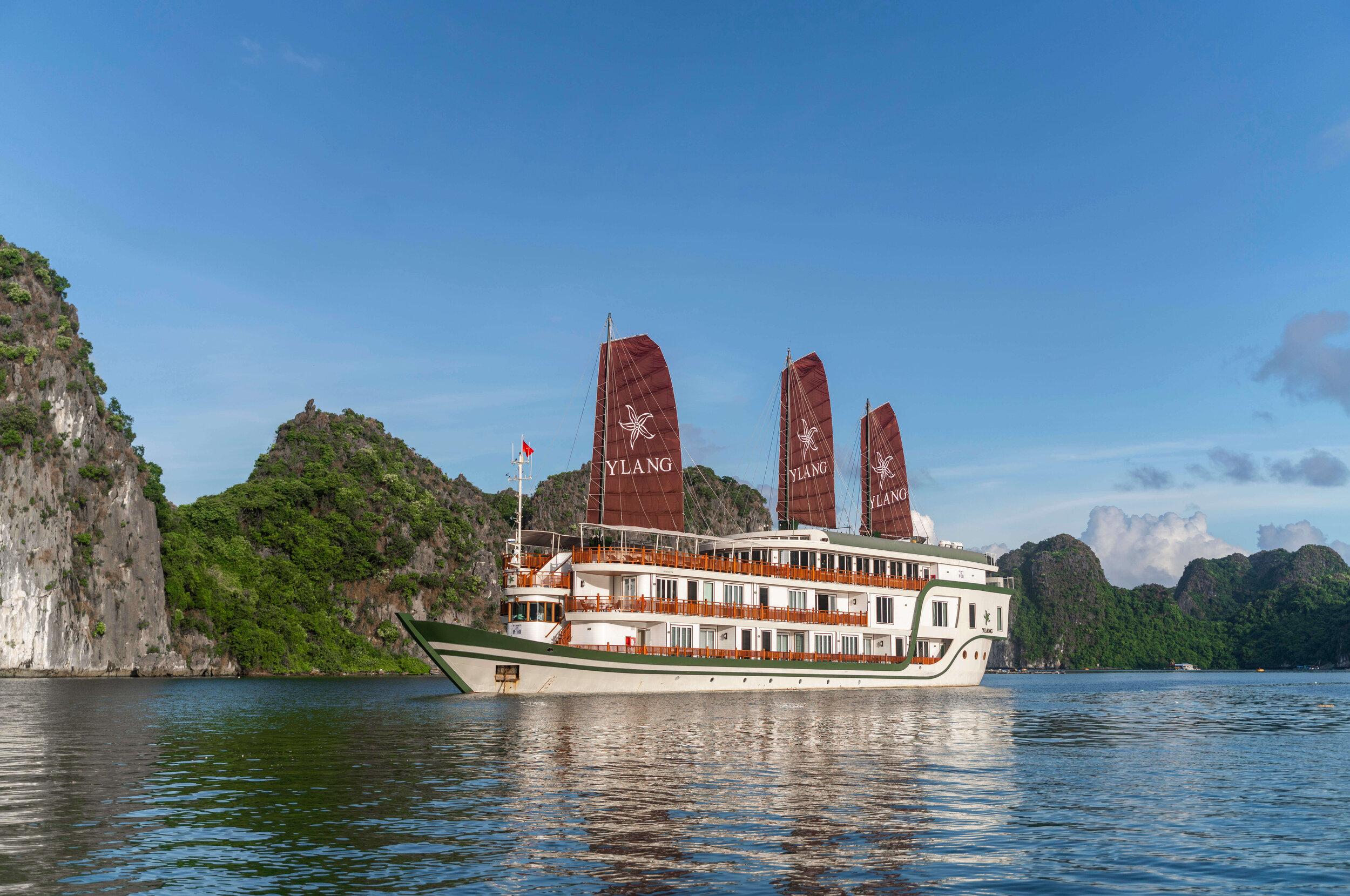 Heritage Line - Lan Ha Bay - Ylang - ship 1.jpg