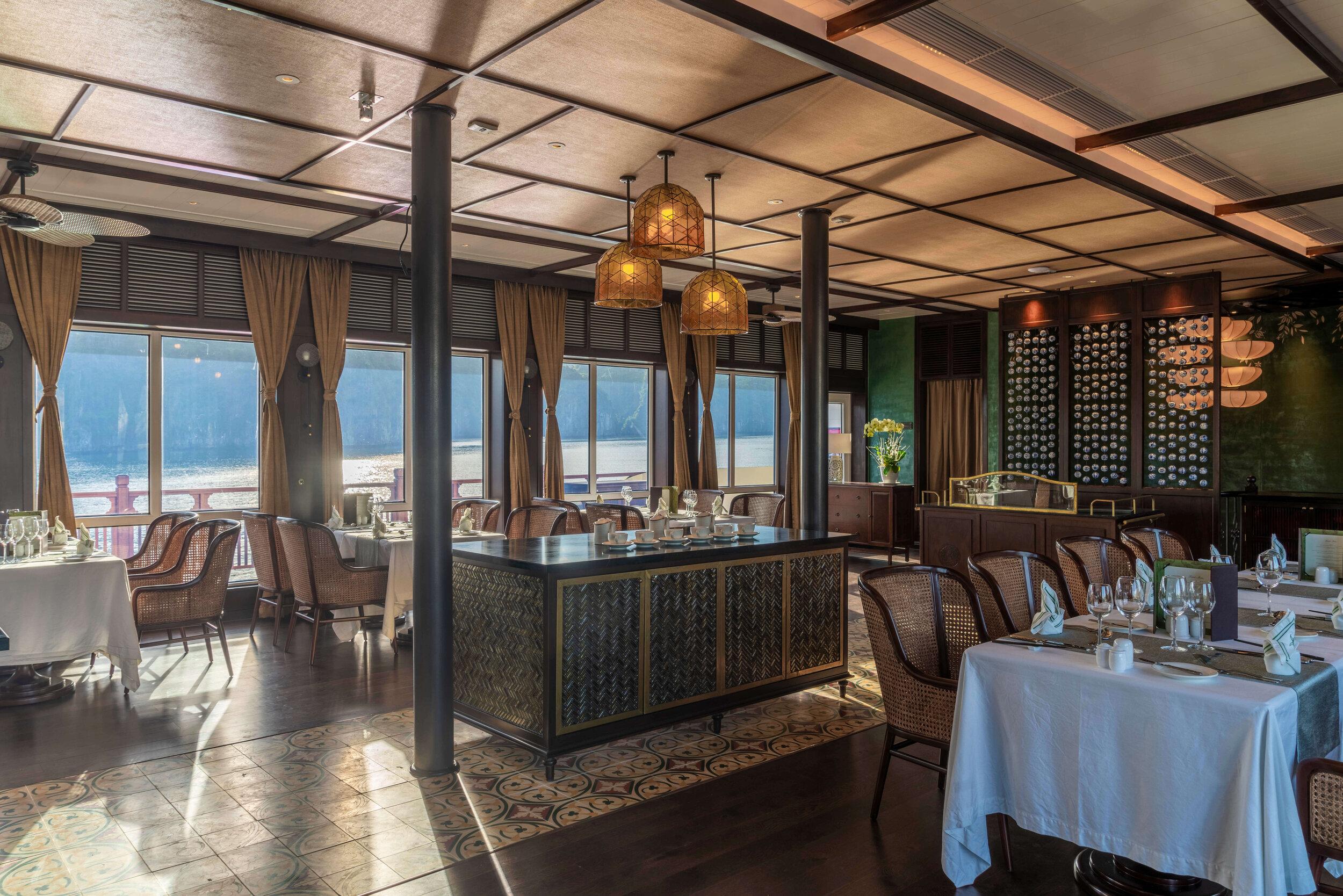 Heritage Line - Lan Ha Bay - Ylang - Restaurant 2.jpg