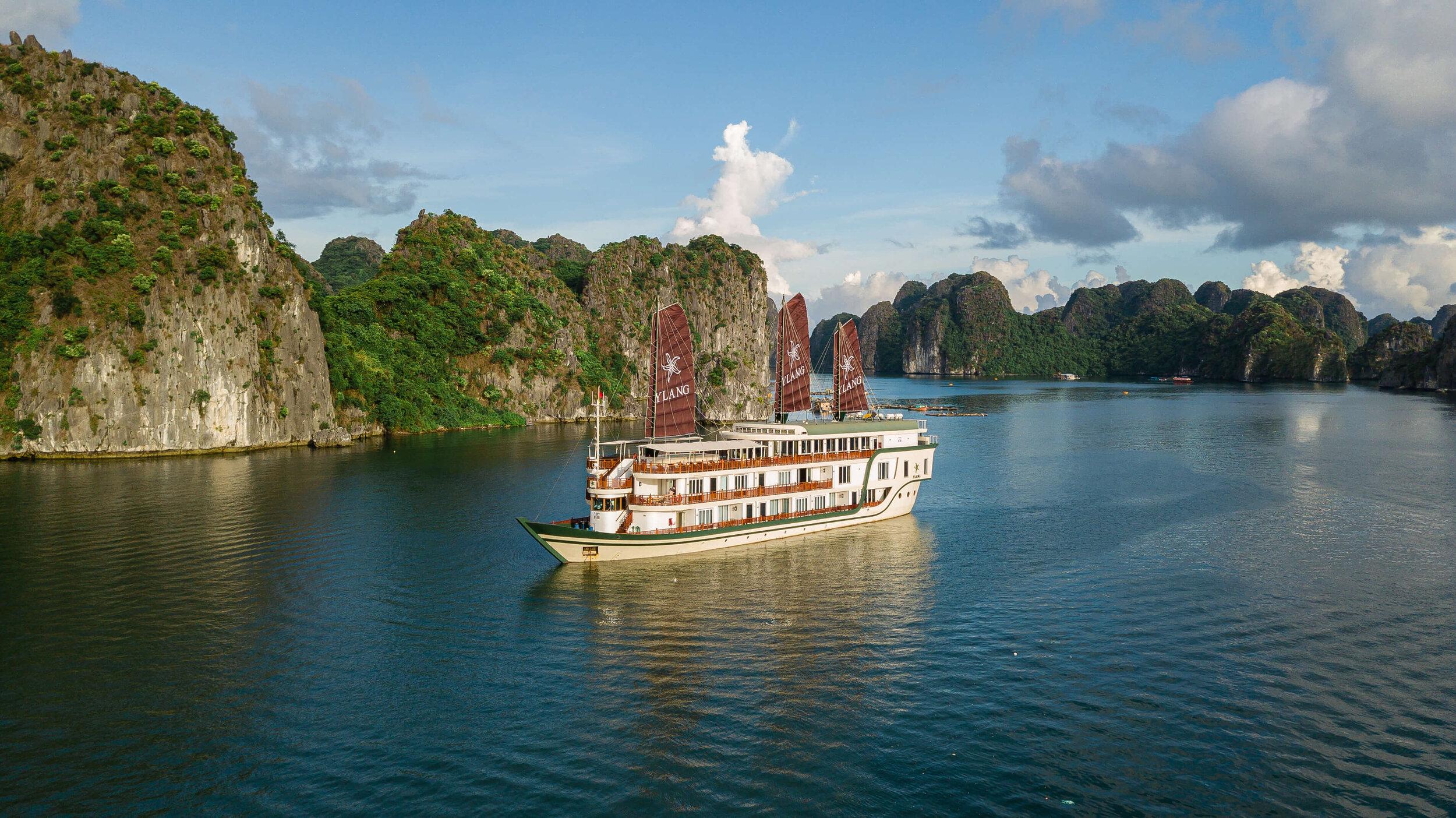 Heritage Line - Lan Ha Bay - Ylang - ship 3.jpg