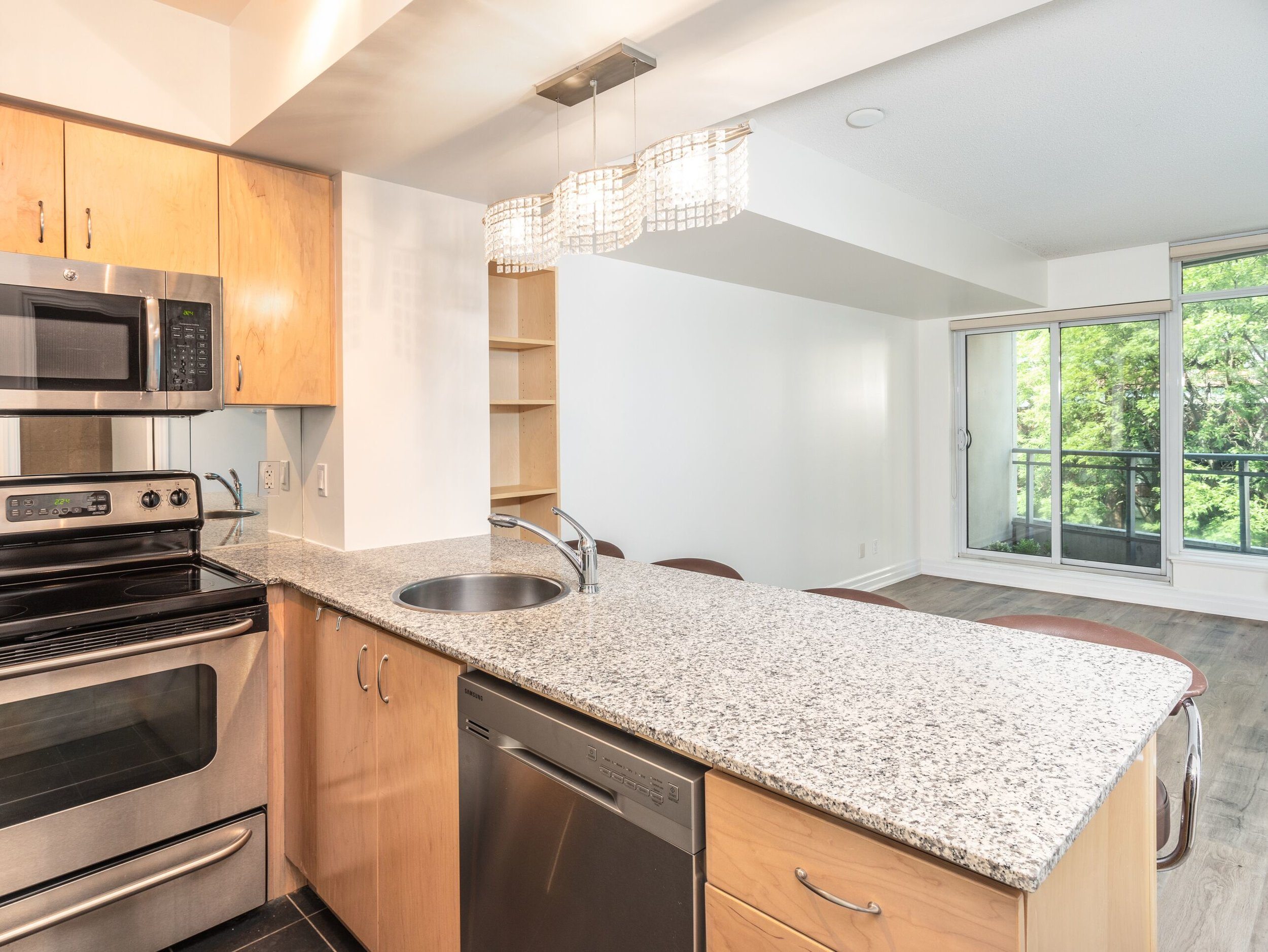 Full size stainless steel appliances