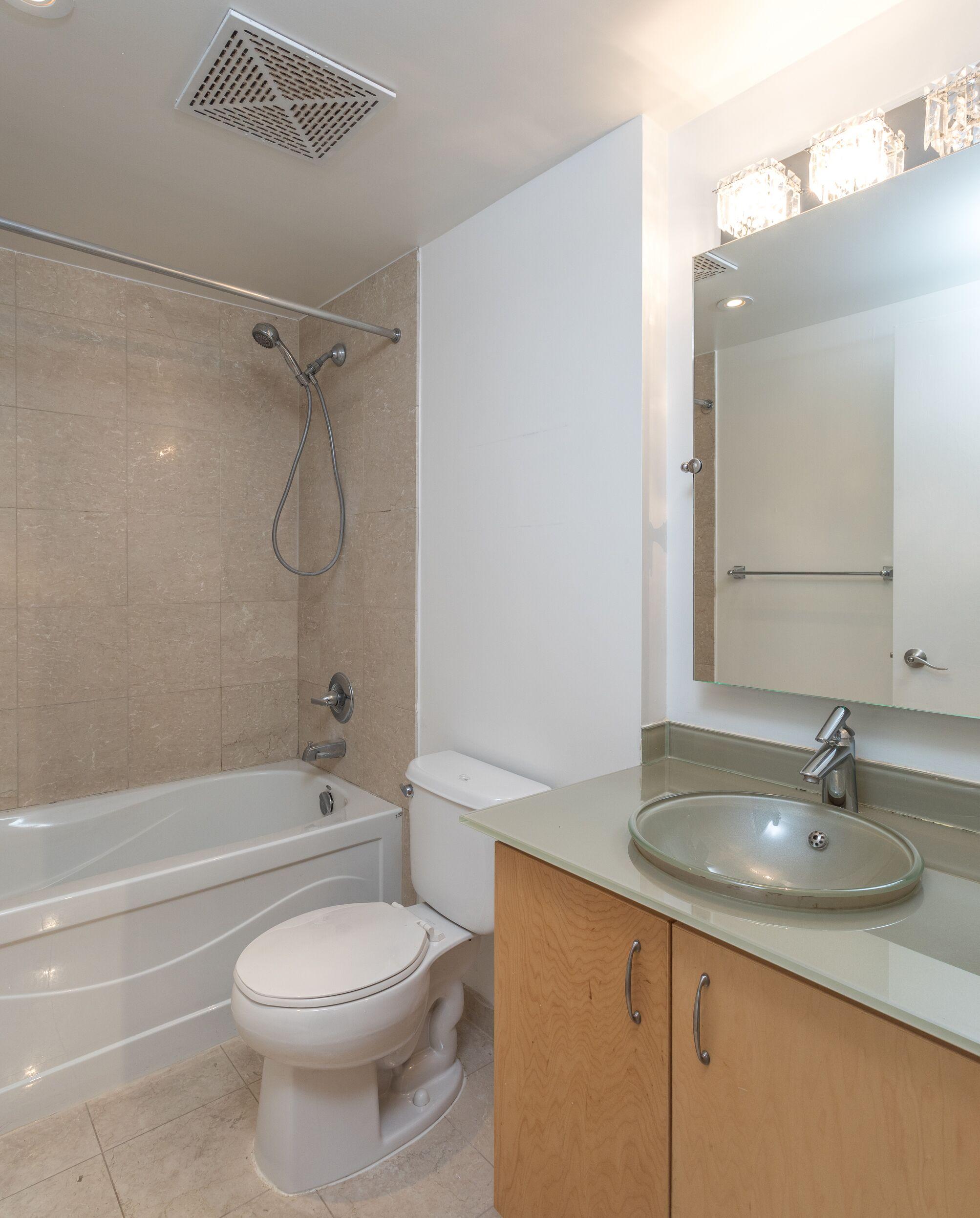 8 Scollard bathroom.jpeg