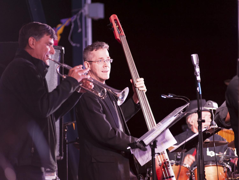 Rex Denton, trumpet Rudi Weeks, bass (USA)
