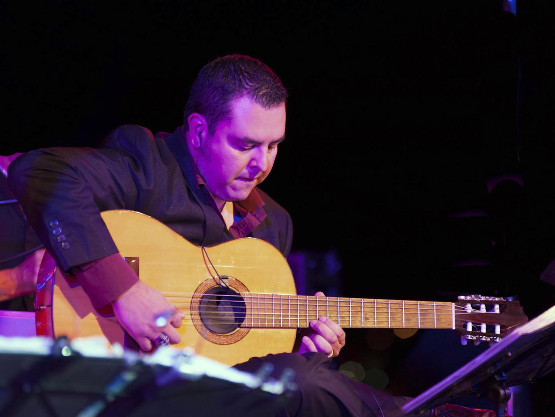 Dan Salazar III, guitar (USA)