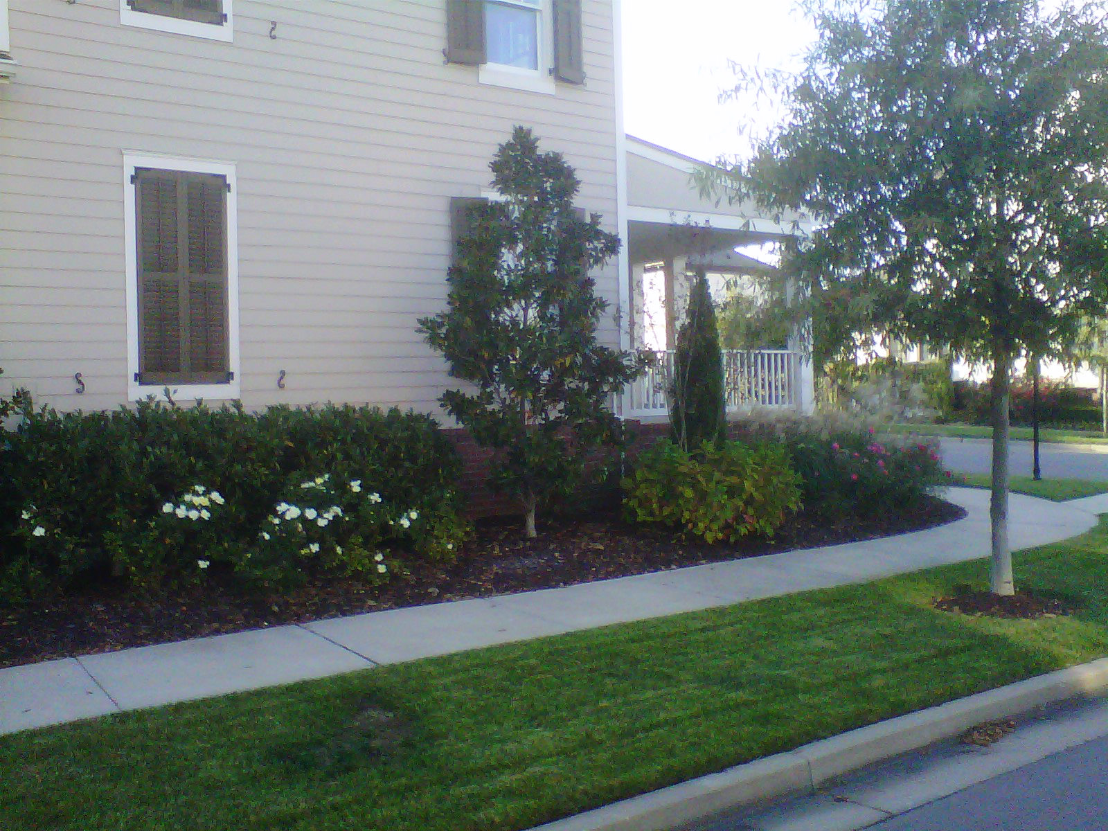 Justin Stelter Landscape Gardening - Modern Suburban Landscaping - 12591621765_b55fa7efa1_o.jpg