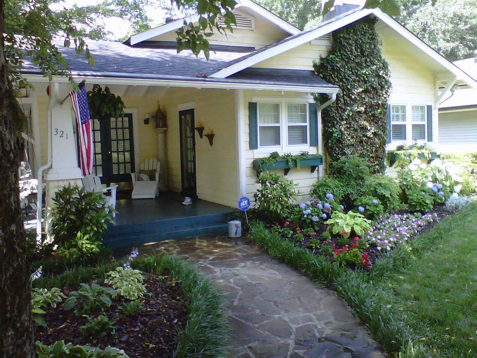 Justin Stelter Landscape Gardening - Cottage Garden - 12465150865_9de3f8f52b_o.jpg