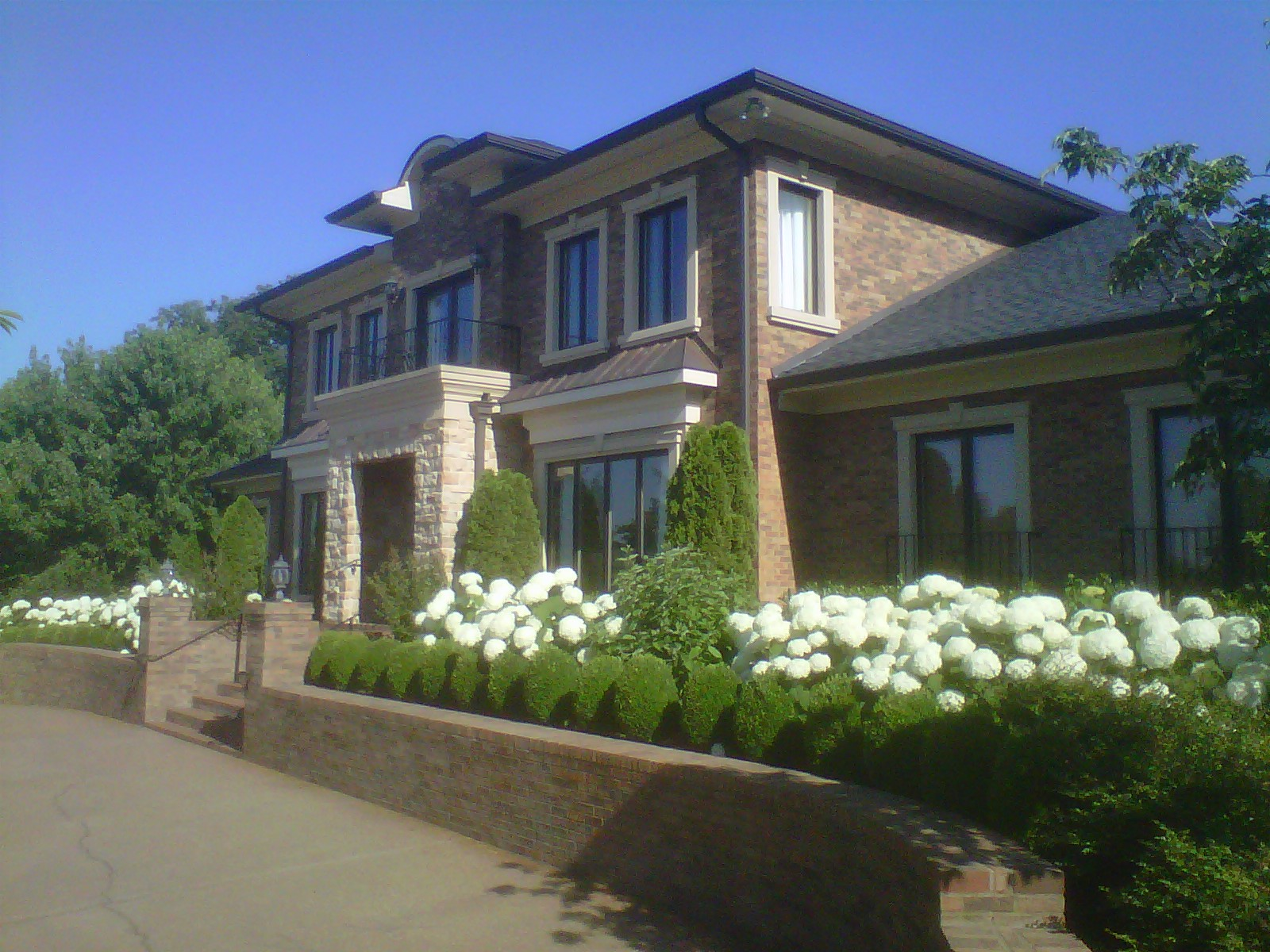 Front of house southeast 1 June 2012.jpg