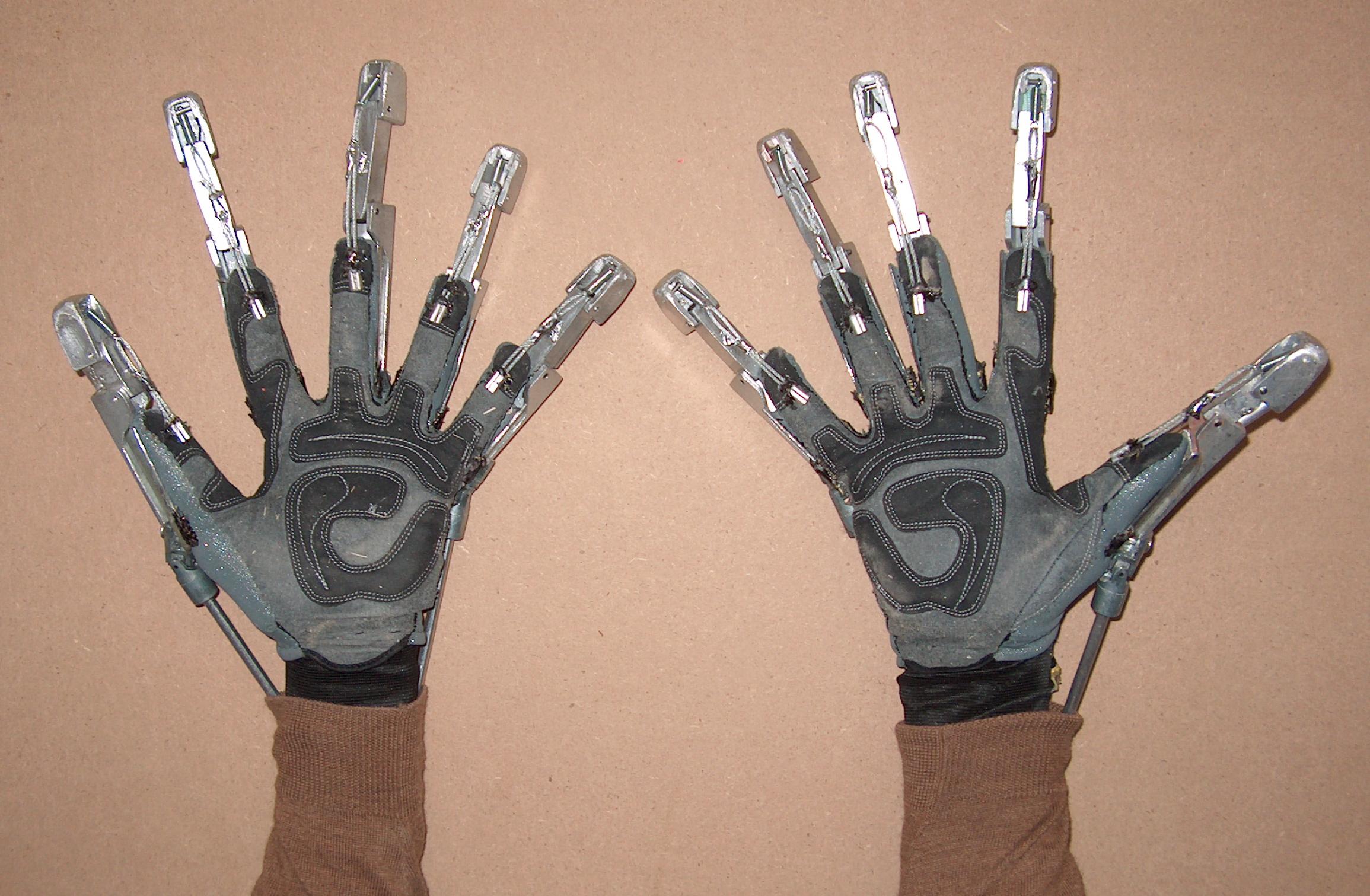 Giant's Gloves