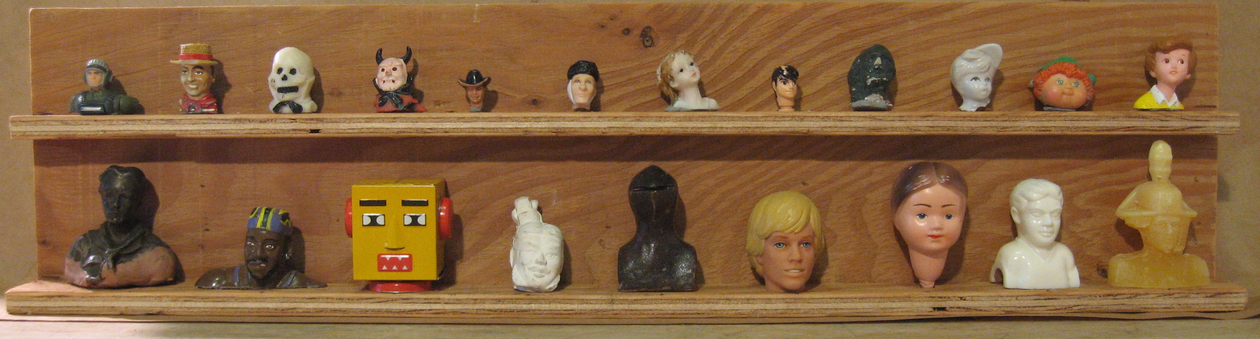 Display of Heads