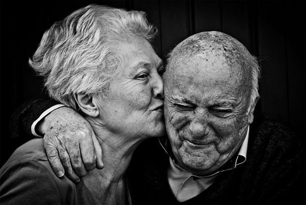 Aged-couple-in-love-4.jpg