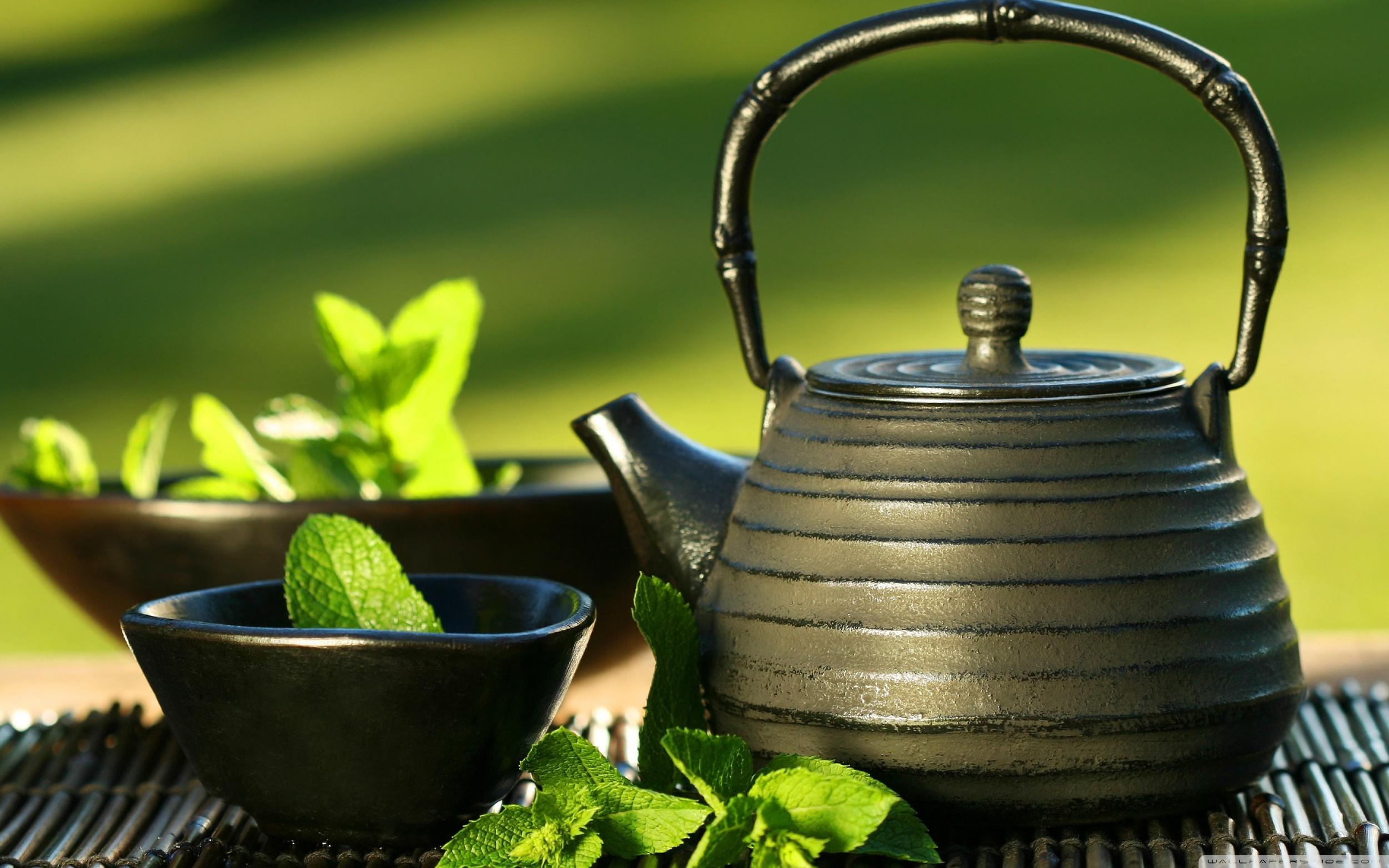 teapot_and_cups-wallpaper-2880x1800.jpg