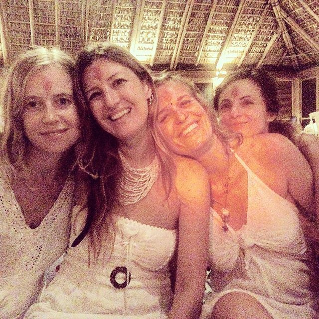 Yogini Dominique ( second from left) :) After 3 months, 6 days a week, 10 hours a day I'm now a fully qualified meditation and hridaya hatha yoga teacher :) #yoga #Mexico #mazunte #meditation #beautiful  #wanderwomenclub #wanderwomen #wander #wanderer #wanderlust #travel #traveller #travelblog #travelgram #travellife #travelling  #travelpics  #travelphoto  #travelblogger  #explore #cute  #followme #happy #beautiful #girl #picoftheday #smile #friends