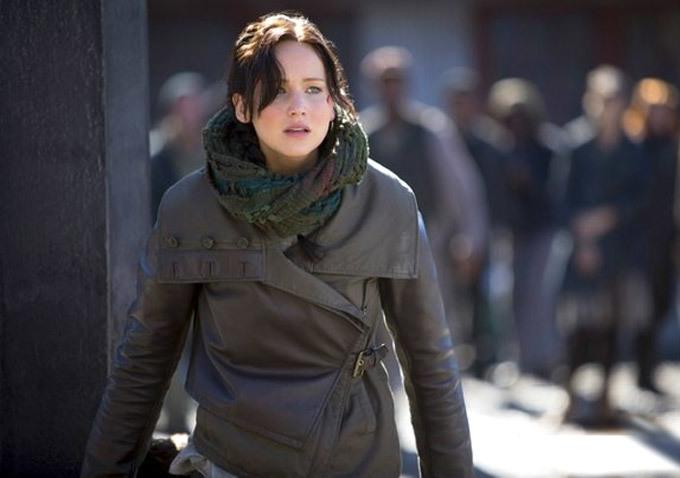cf-katniss-infinity-scarf.jpg