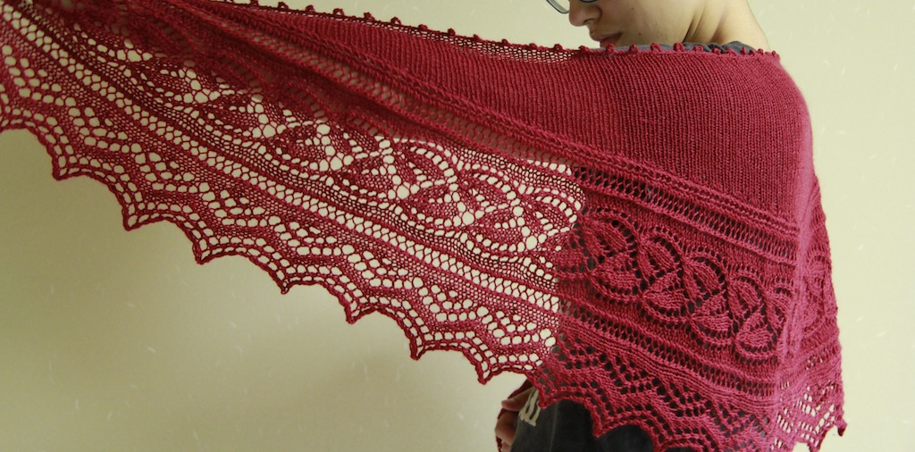 Picot bind-off, stockingette body, bottom lace edging.