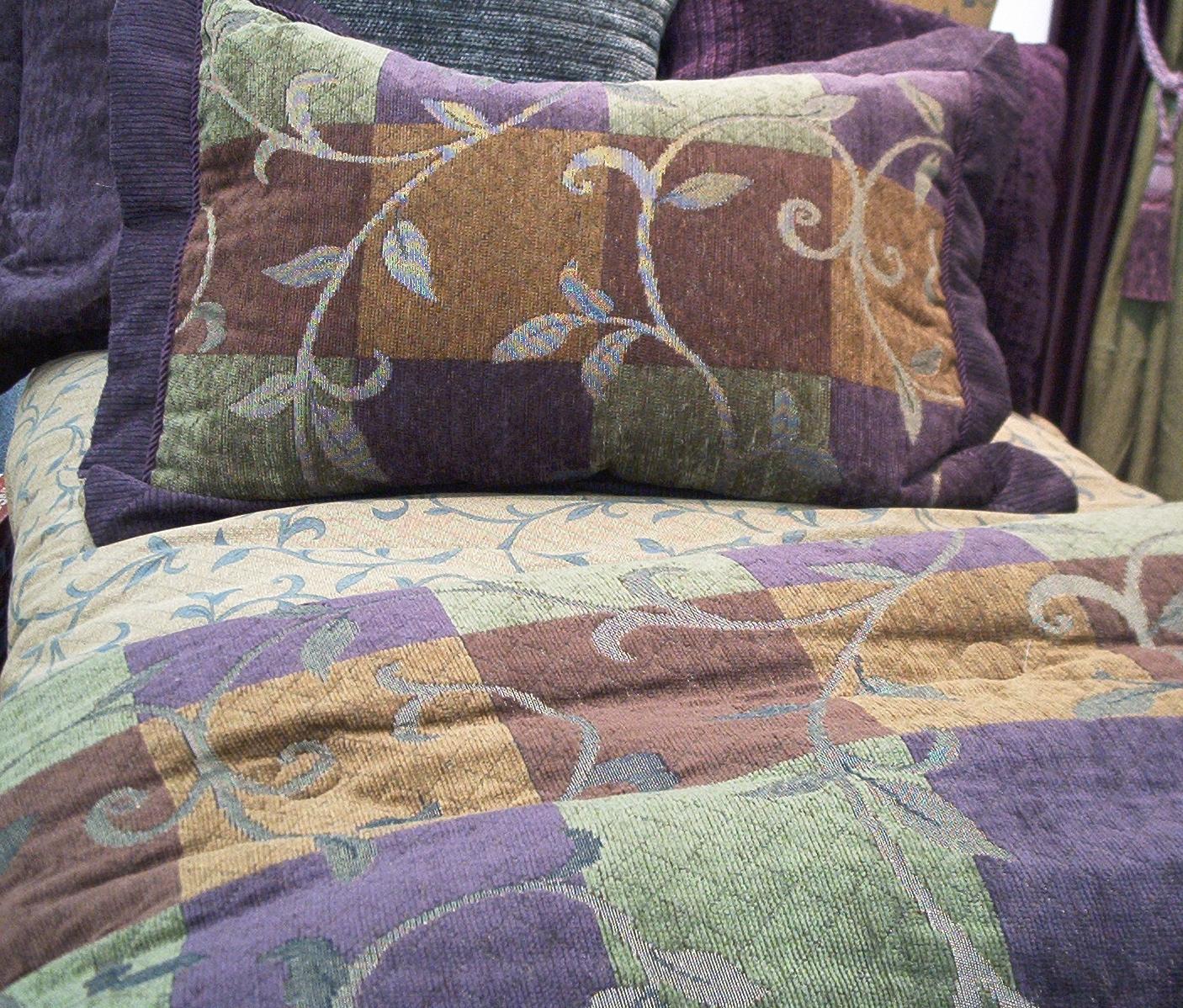 Comforters/Pillows