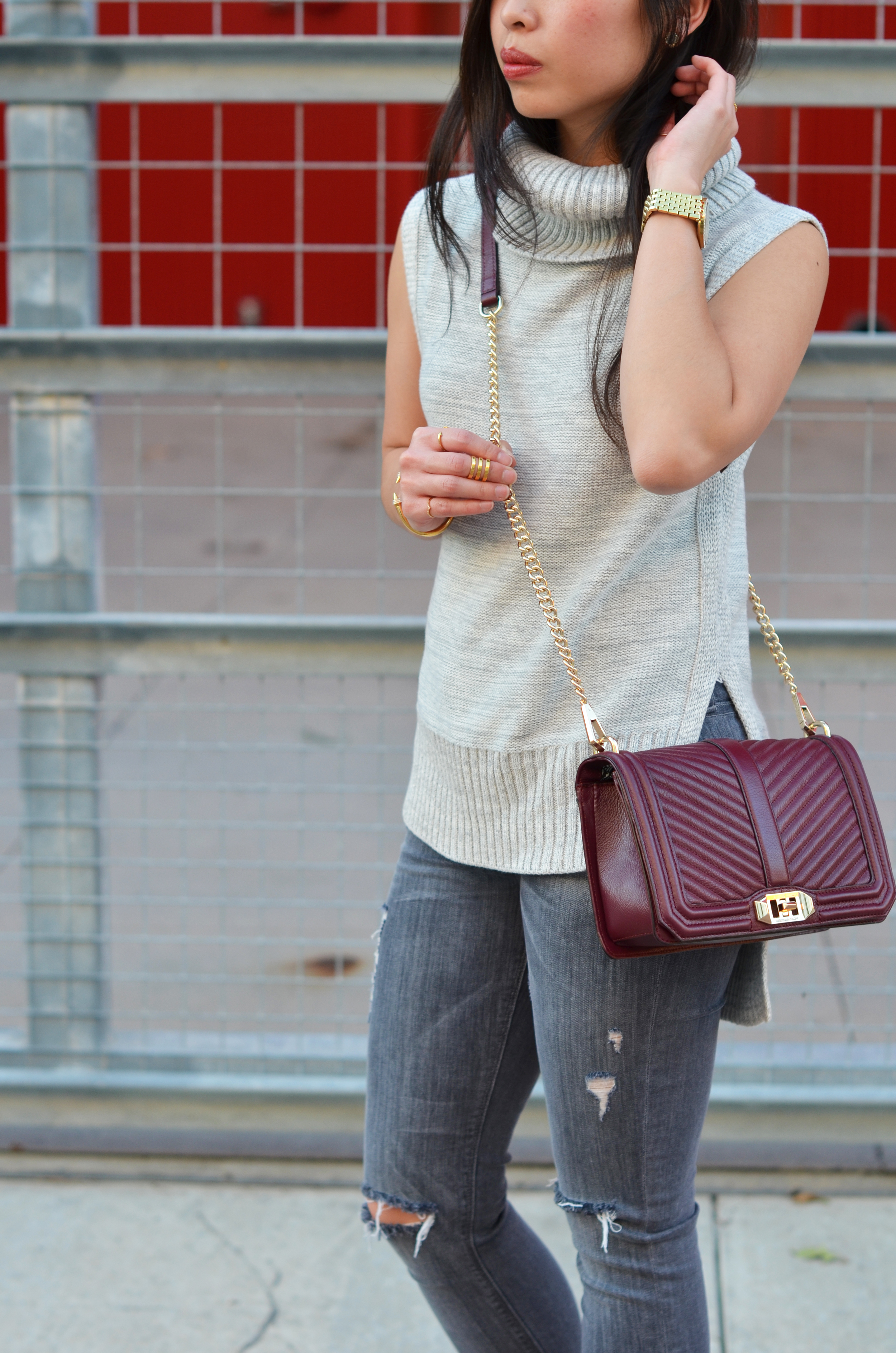 the sleeveless turtleneck & grey jeans -- jannadoan.com