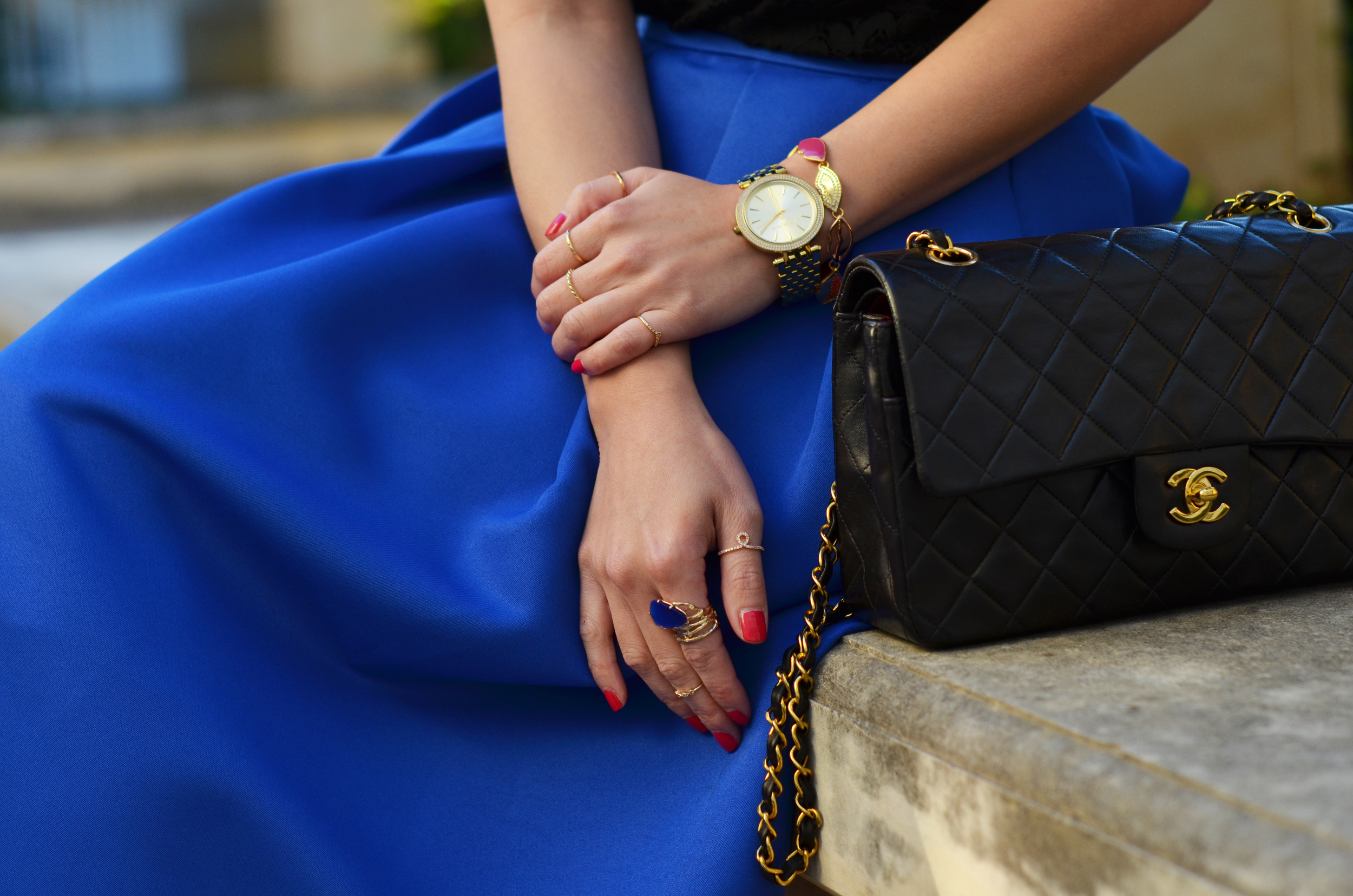 the cobalt blue midi skirt & black lace -- jannadoan.com