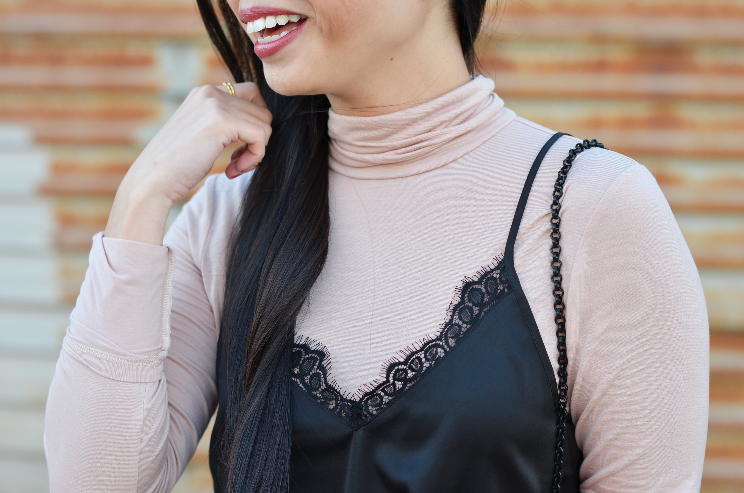 the-lace-cami-turtleneck-jannadoan.com