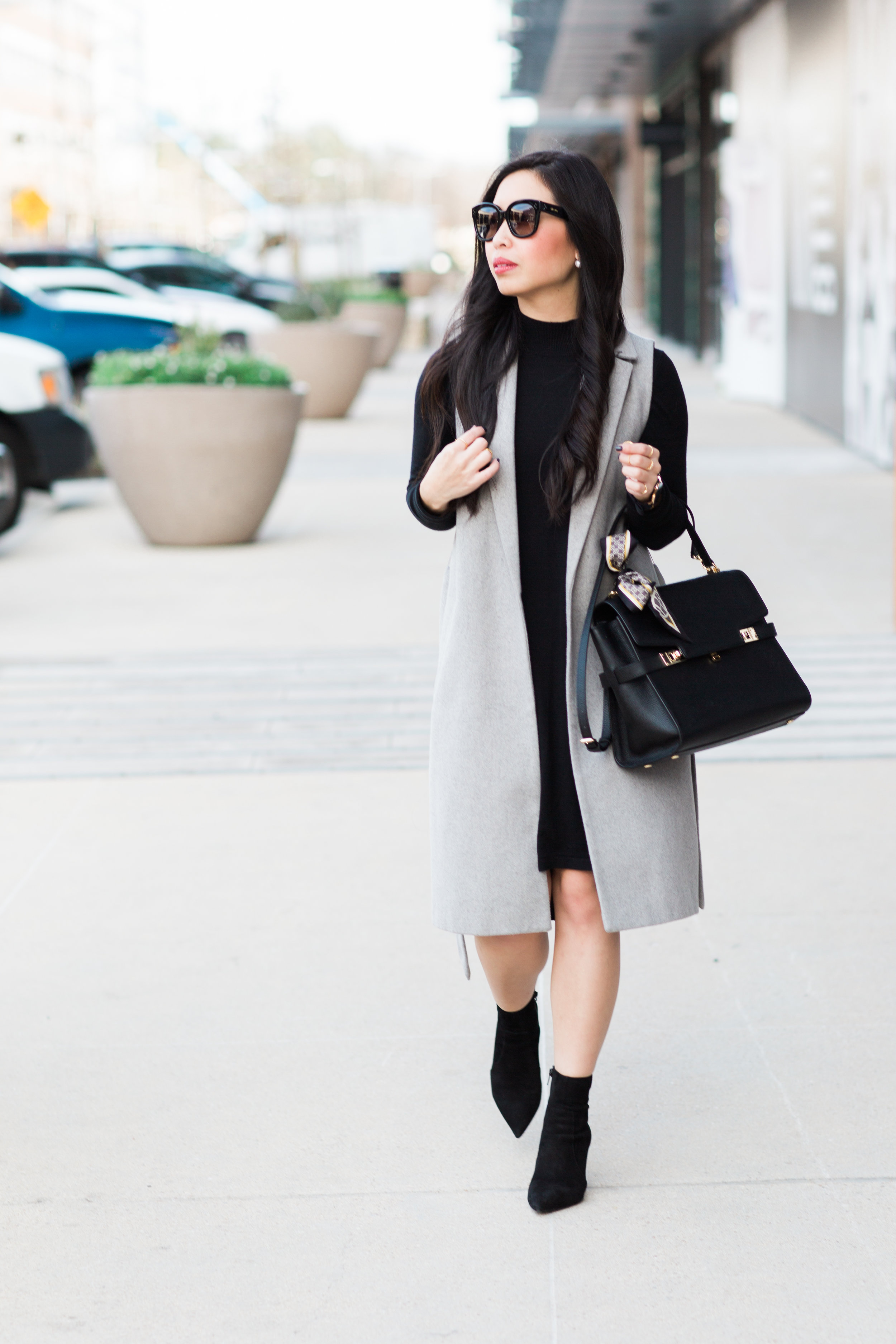 the sweater dress & sleeveless coat -- jannadoan.com