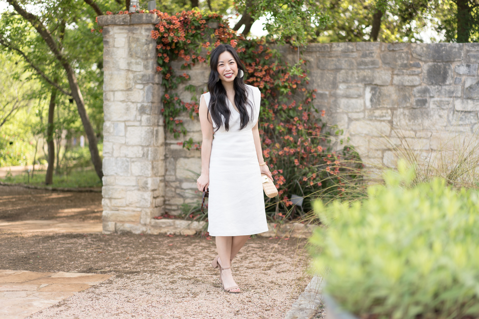 the white linen dress -- jannadoan.com
